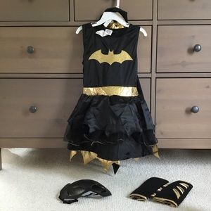 DC Batgirl Superhero Halloween Costume 4T or 5T